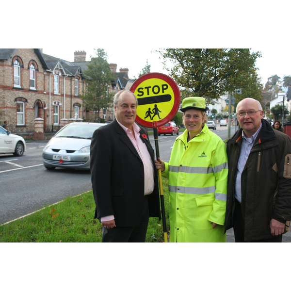 Cllrs Connett & Dewhirst at the Avenue with School Crossing Patrol